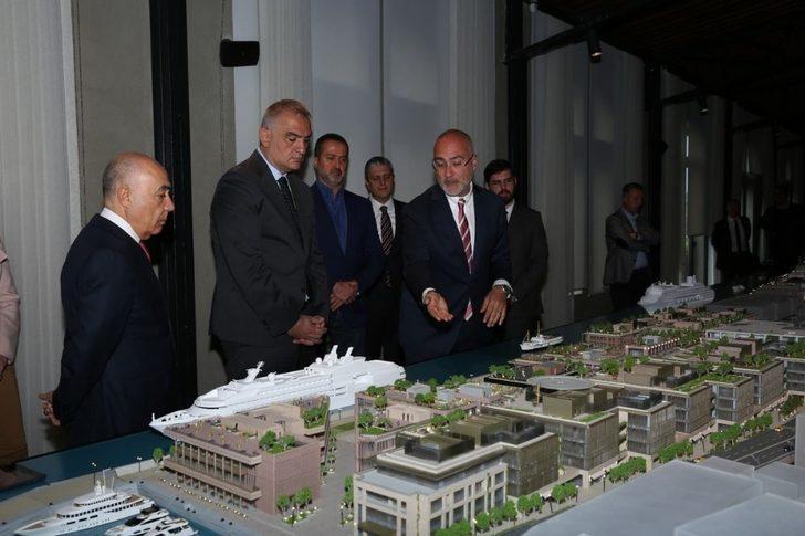 Kültür ve Turizm Bakanı Ersoy, İstanbul'da 'Galataport Projesini' inceledi