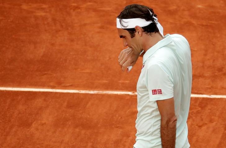 Roger Federer Madrid Açık Tenis Turnuvası'na çeyrek finalde veda etti