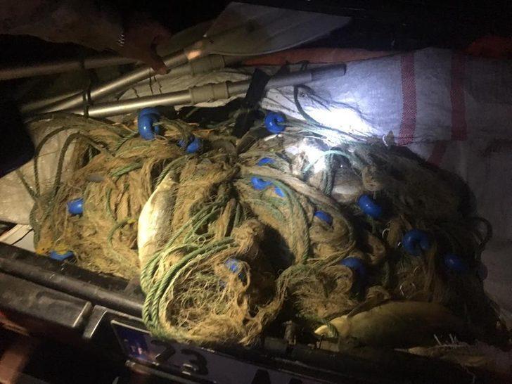Kaçak balık avında kullanılan bot ve ağ ele geçirildi