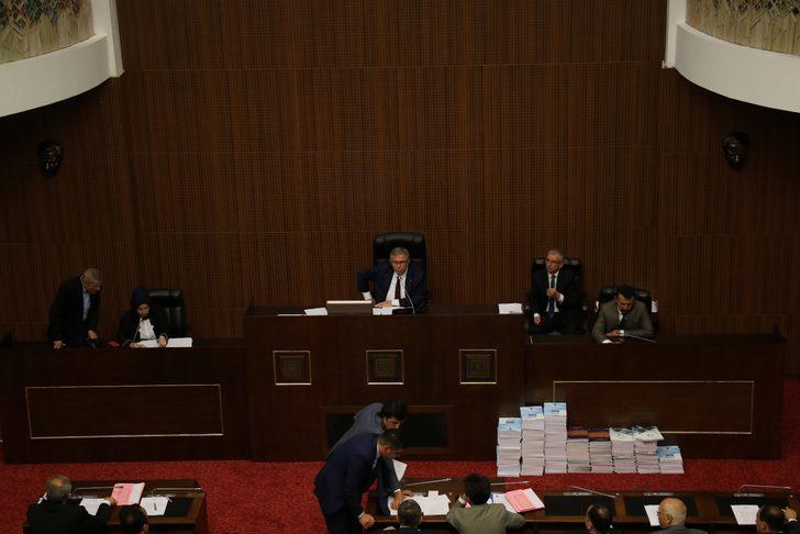 Ankara Büyükşehir Belediye Meclis toplantısında 'önerge' tartışması
