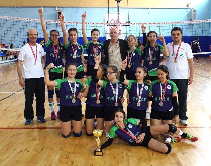 Çorlu'nun kızları Türkiye şampiyonasında