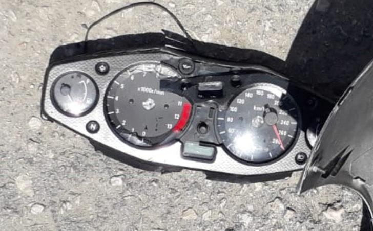 2 kişinin öldüğü kazada, motosikletin kadranı 280'de takılı kaldı