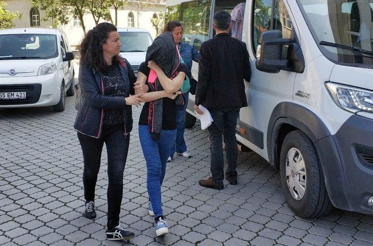 Hırsızlık suçundan hapis cezaları bulunan anne-kız yakalandı