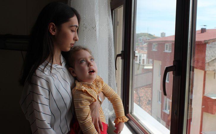 4 yaşındaki ikizlerin hastalığına teşhis konulamadı