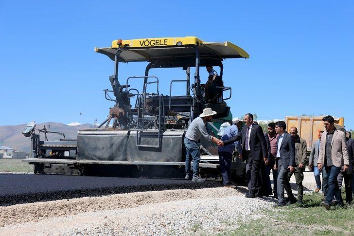 Gürpınar Belediyesinden sıcak asfalt çalışması