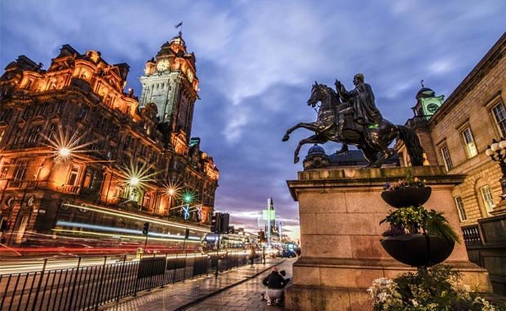 Edinburgh her turistten vergi alacak