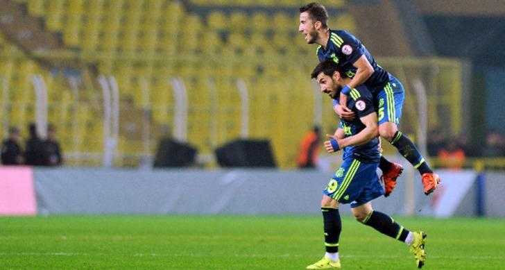 Şener Özbayraklı (Fenerbahçe)