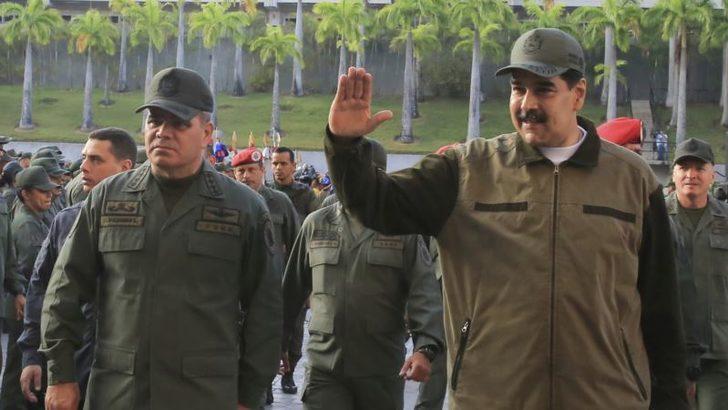 ABD Venezuela'yla Uçuşları Askıya Alıyor