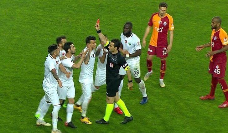 Miguel Lopes'in golü sonrası sahada gerginlik yaşandı