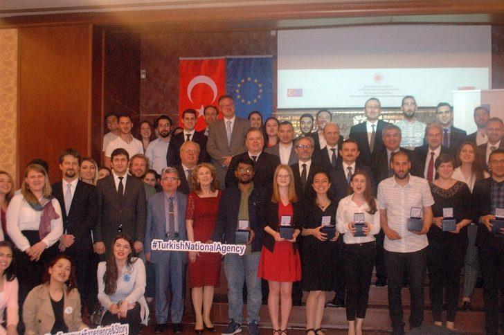 Dışişleri Bakan Yardımcısı Kaymakcı Erasmus öğrencileriyle iftarda buluştu