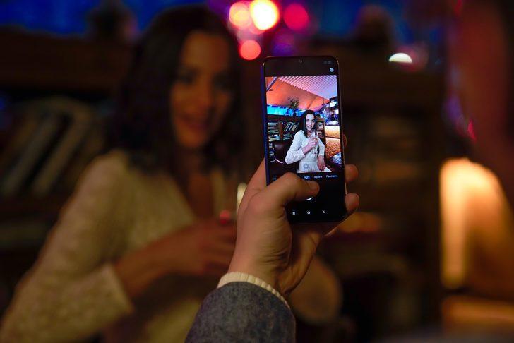 Xiaomi Mi 9 SE Türkiye'de ön siparişe açıldı