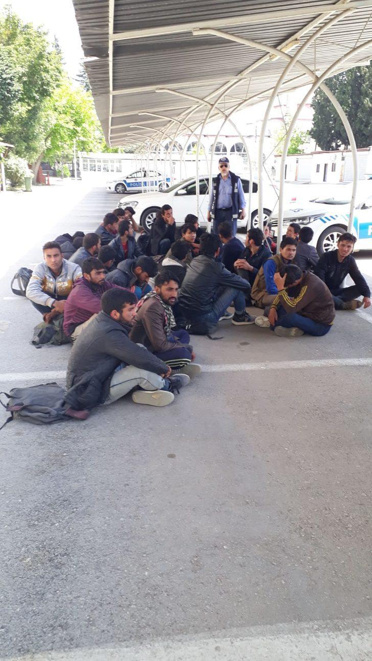 Kayseri'de 21 kaçak göçmen ve 4 organizatör yakalandı