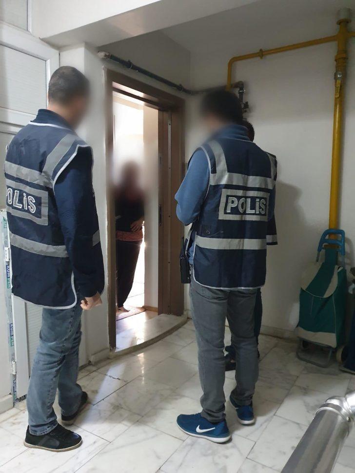 Kars polisinden günlük kiralanan evlere kontrol