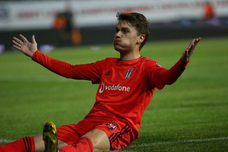 Adem Ljajic - Torino > Beşiktaş | BONSERVİS BEDELİ: 6.5 milyon Euro