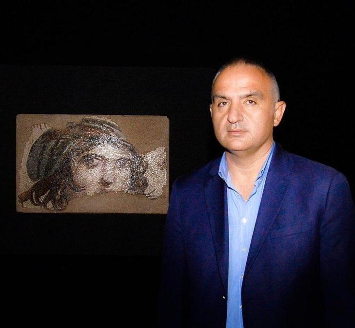 """Bakan Ersoy, """"Müzeler, içerisinde tarihin bütün görkemiyle yaşadığı mekanlardır"""""""