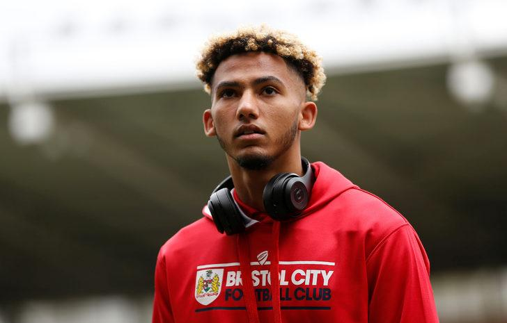 Lloyd Kelly - Bristol City > Bournemouth | BONSERVİS BEDELİ: 14.8 milyon Euro