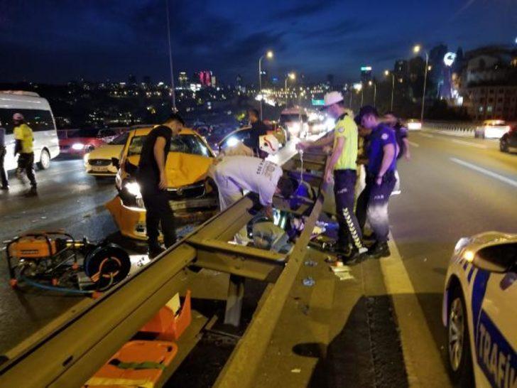 Köprüde feci kaza! Otomobilden savrulan kadın...