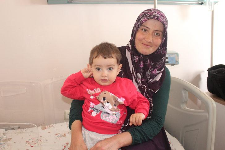 Minik Elif'in akciğerini tıkayan fıstık, 1 ay sonra çıkarıldı