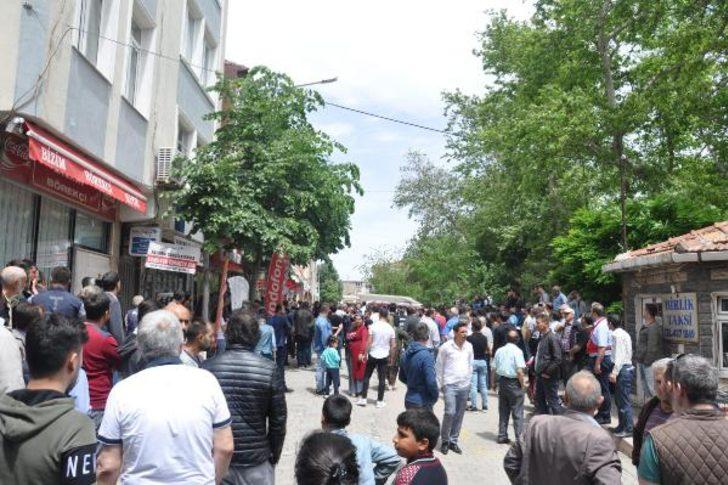 Malkara'da tehlikeli gerilim! Cinayet sonrası mahalle ayağa kalktı