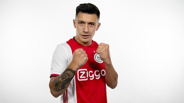 Ajax Lisandro Martinez ile 4+1 yıllık sözleşme imzaladı