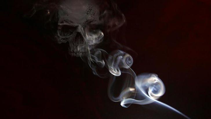 'Sahurda sigara içip yatmak kalp krizini tetikliyor' uyarısı!