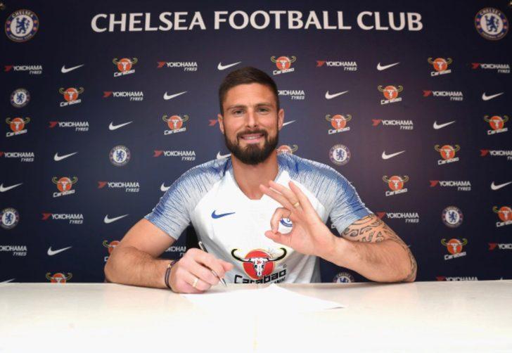Chelsea Olivier Giroud'nun sözleşmesini bir yıl uzattı