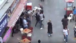 Sokak ortasında şoke eden kavga!