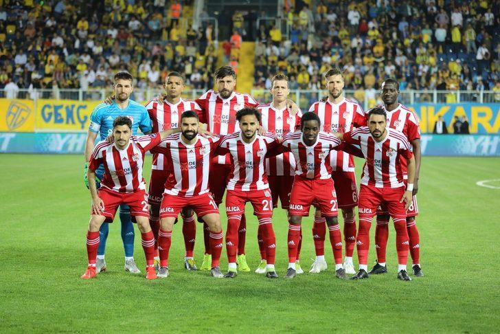 Demir Grup Sivasspor'da 12 oyuncunun sözleşmesi bitiyor