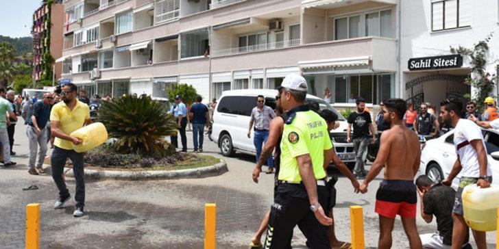 Marmaris'te faciadan dönüldü! Önce kendilerini sonra da polis ve zabıta ekiplerini yakmaya kalktılar
