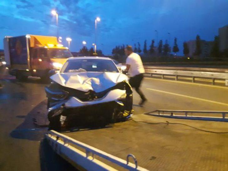 İranlı sürücü yarım saat arayla ikinci kazayı yaptı: 2 yaralı