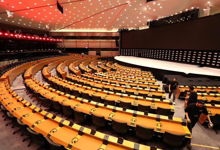 Avrupa Parlamentosu seçimleri için oy verme işlemi başladı