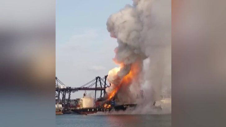 Tayland'da kimyevi madde taşıyan gemi yandı: 130 kişi hastanelik oldu