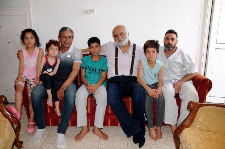 Dolmuşta yere oturtulan Muhammed ve ailesine yardım
