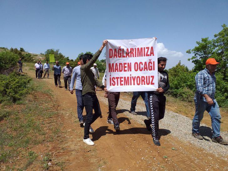 Elazığ'da köylülerden, 'Maden ocağı istemiyoruz' eylemi