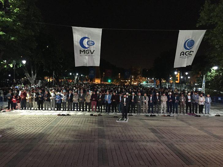 """Ayasofya Meydanı'nda """"Fetih Namazı"""" etkinliği"""