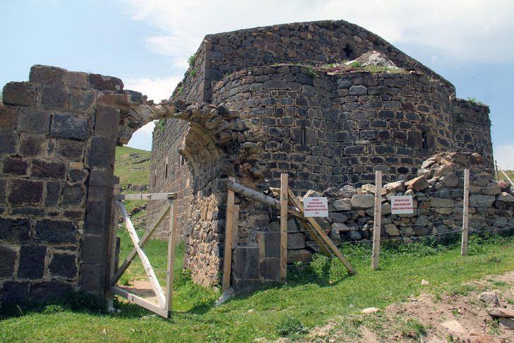 Kırkharman Kilisesi 169 yıldır restore edilmeden ayakta duruyor