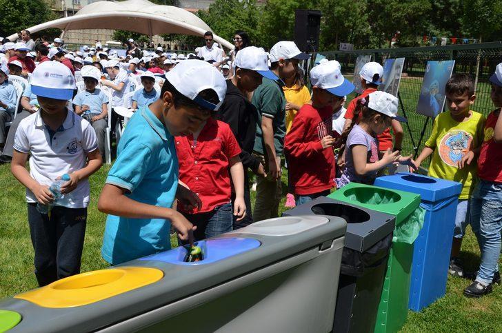 Çevreci öğrenciler 416 ton geri dönüştürülebilir atık topladı