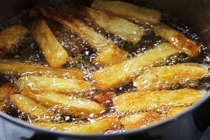 En lezzetli sır! Patatesi neden turşu suyunda bekletmelisin?