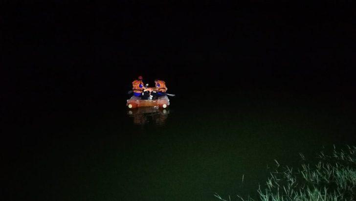 Gölette boğulduğu düşünülen çoban için ekipler seferber oldu