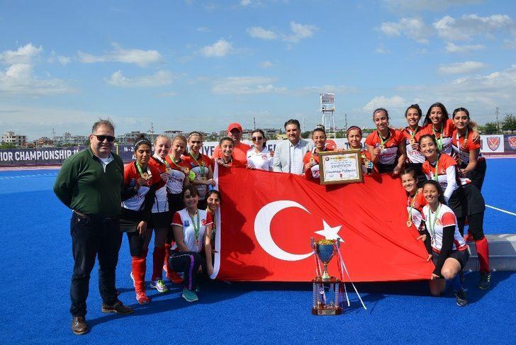 Hokey Avrupa Şampiyonasında Türkiye rüzgarı esecek
