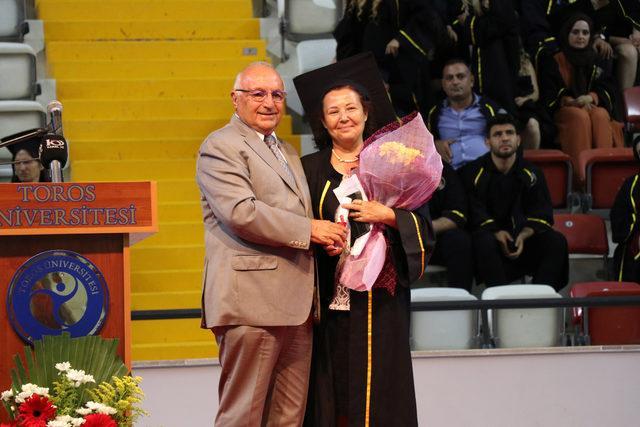 Şehit oğlunun dileğini gerçekleştirmek için üniversite okudu