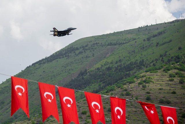 Kayseri'de muhteşem SoloTürk gösterisi