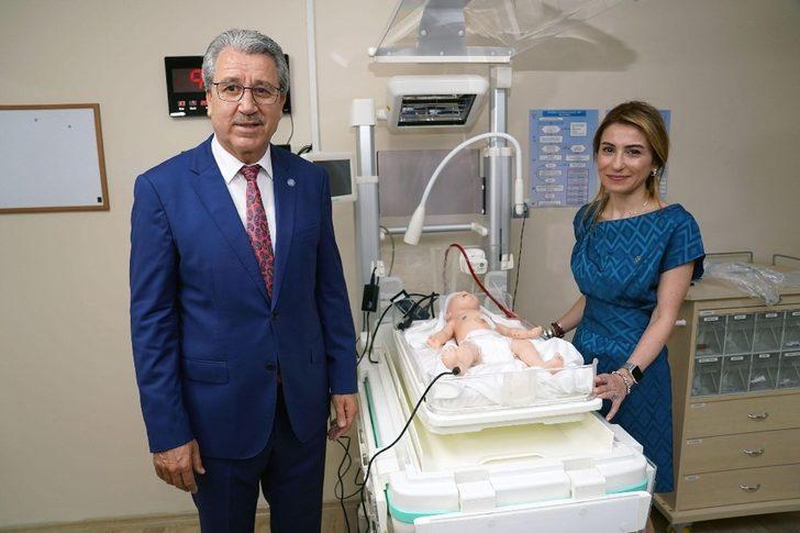 Ege'de, Türkiye'nin ilk 'Neonatal Simülasyon Laboratuvarı' açıldı