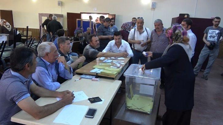 Keskin'de oy verme işlemi devam ediyor