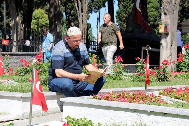 Edirnekapı Şehitliği'nde hüzünlü bayram