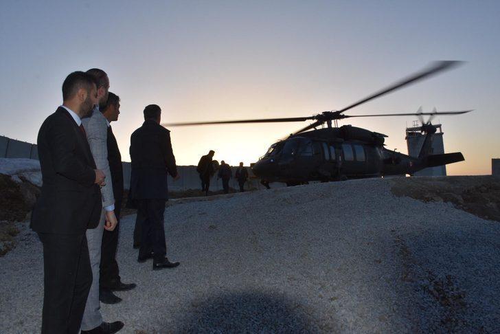 Bakan Soylu, Kato'da Mehmetçikle bayramlaştı (2)
