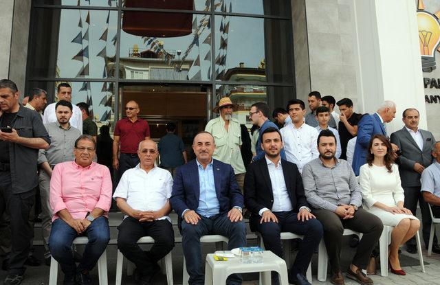 Bakan Çavuşoğlu, bayrama baba ocağında girdi (2)