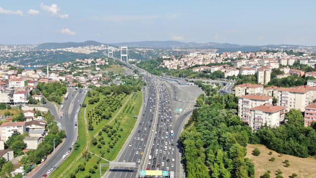 (Havadan fotoğraflarla) İstanbul'da bayram trafiği sürüyor