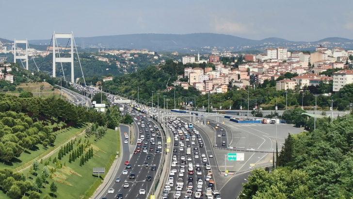 İstanbul'da bayram trafiği sürüyor