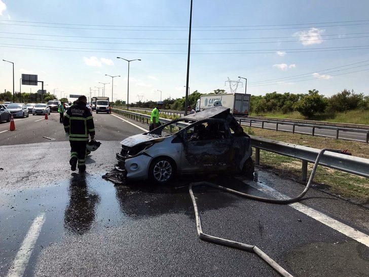 Çorlu'da TIR'ın çarptığı otomobil yandı: 5 ölü